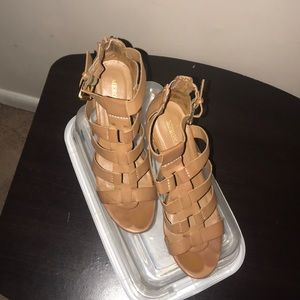 Women's size 7.5 tan leather sandals